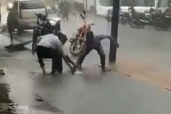 mumbai rain video viral
