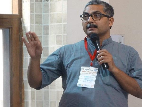 anil saumitrea attacks on akash vijayvargeeya