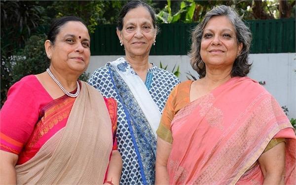 मां की एक पहल ने बनाया तीन बेटियों का भविष्य, एक ही राज्य में बनी सचिव