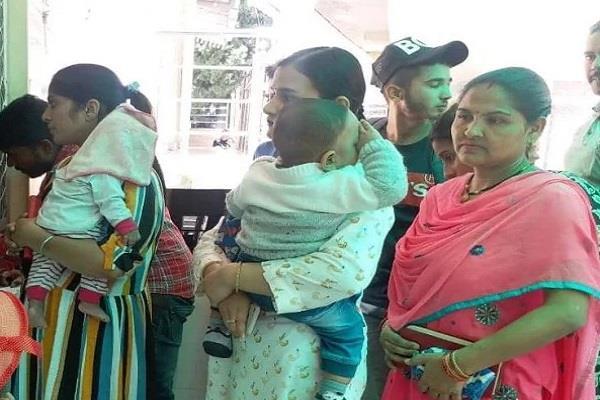 dm wife takes baby to govt hospital