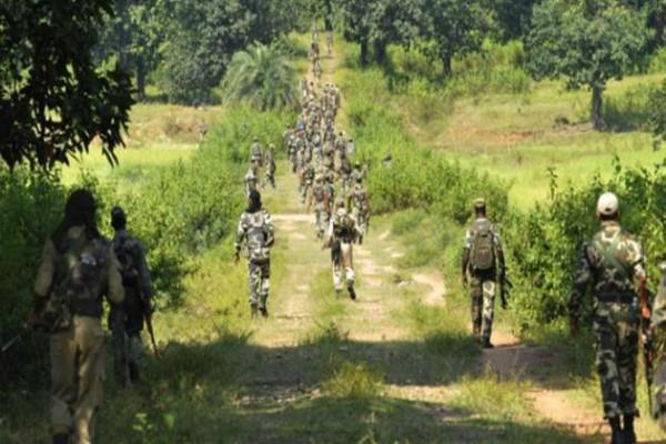 chhattisgarh 2 naxalites stacked by security forces in dantewada encounter