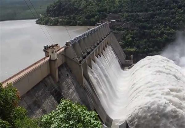 bhakhra dam water level increases