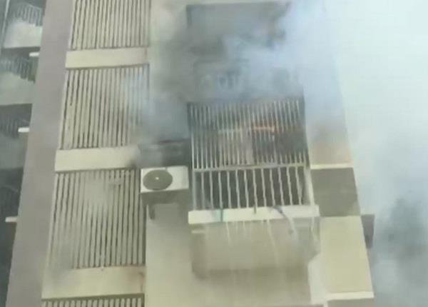 ahmedabad 30 people were rescued by a fire in a building