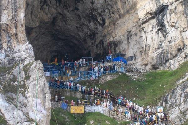 1 90 lakh pilgrims undertake amarnath yatra in 15 days