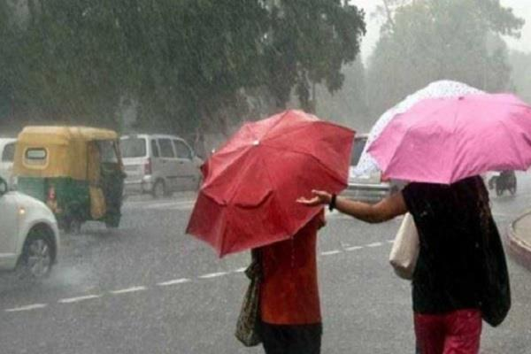 rains of rain in madhya pradesh two youths drifting out of sharp water