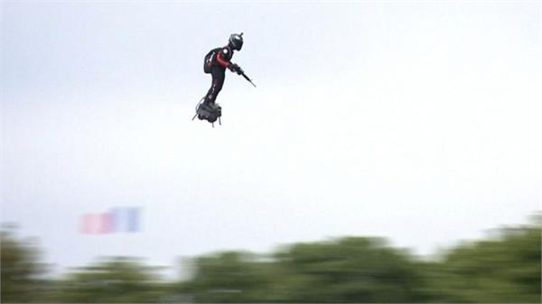 france soldier flying in paris on bastille day parade video viral