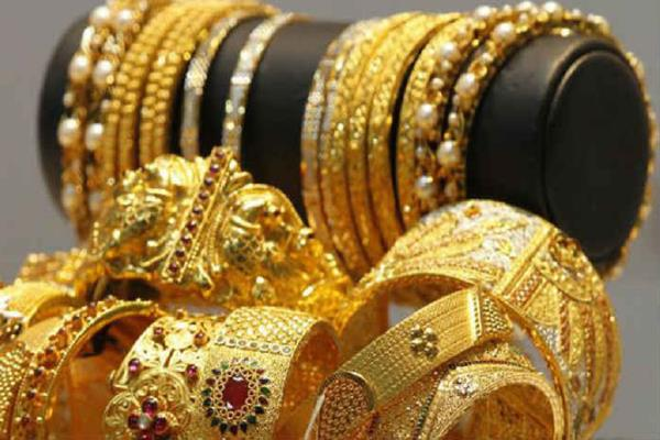 gold futures rise by rs 150 silver by rs 350