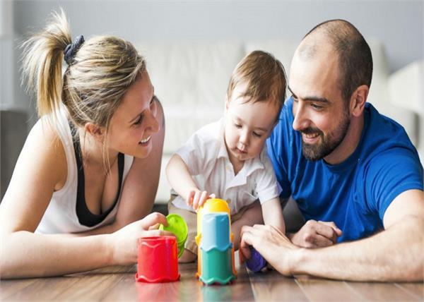 बच्चे को टोकने की बजाय इन 4 तरीकों से बढ़ाएं उसका कॉन्फिडेंस