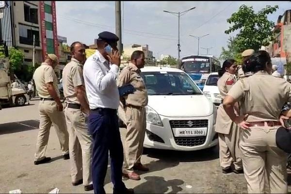 traffic police screw up the drivers cart drivers  challan