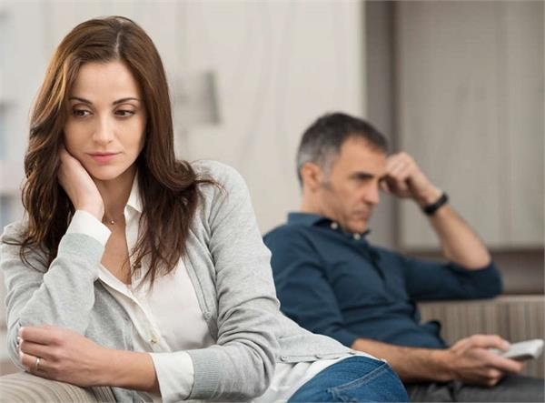 कुछ अनकही बातें: कैसे मना करूं पति को...