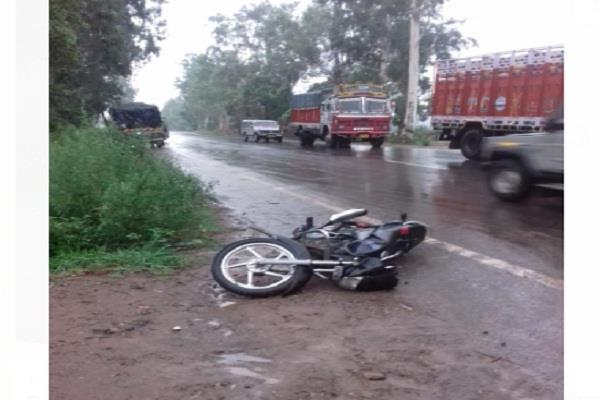 two brothers killed in road accident in truck accident