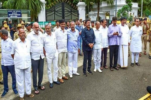 karnataka crisis court to decide on wednesday s petition of rebel mlas