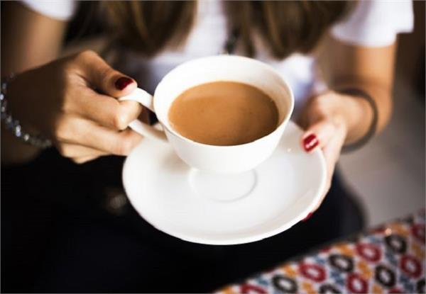 Health Tips: जरुरत से ज्यादा चाय करती है ये 8 नुकसान