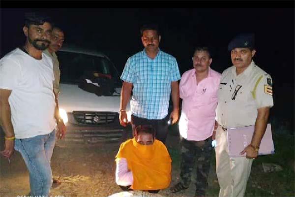smuggler arrested with sawdust