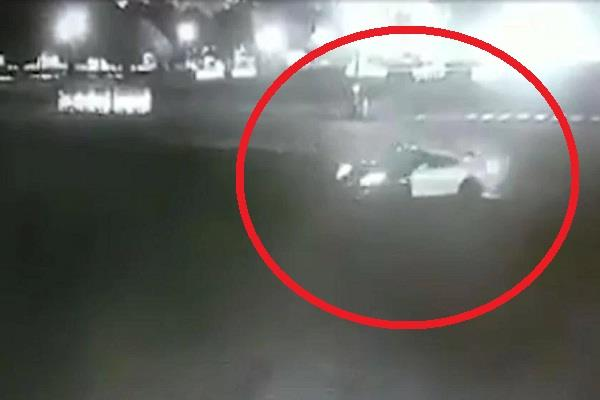 haryana minister s nephew stunts on vijay chowk rajpath with costly car