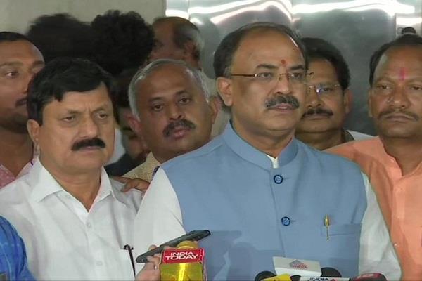 karnataka crisis bjp legislator will perform outside the assembly