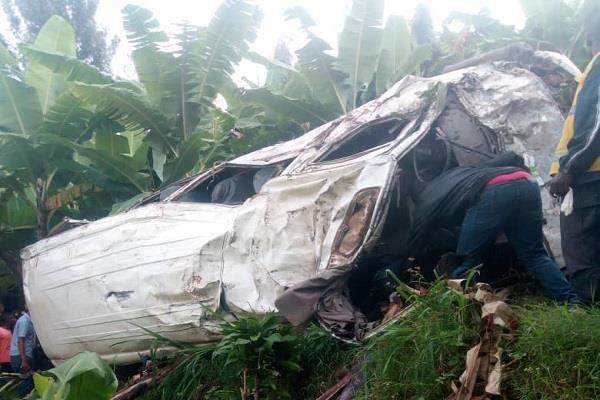 8 killed 17 injured in road accident in rwanda