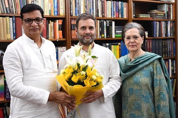 maharashtra congress president balasaheb thorat met sonia and rahul