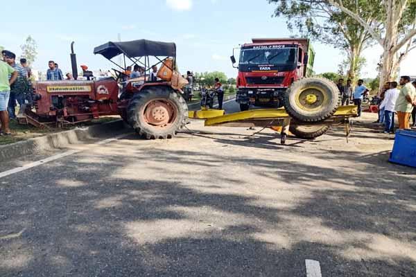 indora road accident 2 death 3 injured