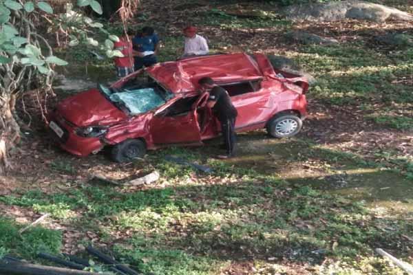 kangra road accident
