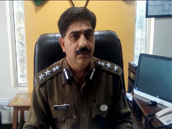 police seized illegal liquor consignment sp summoned chowki incharge