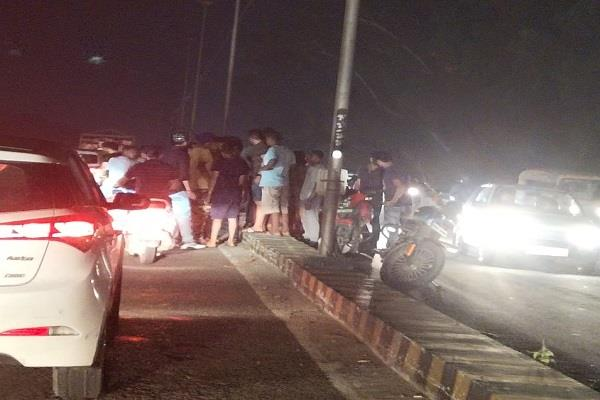 bullet rider collides with truck on dav flyover dies