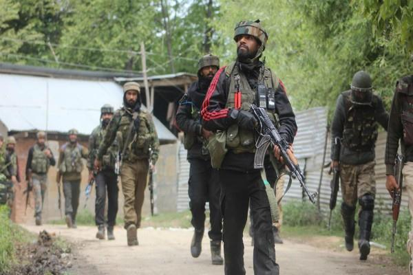 j k 1 troop martyr in encounter in shopian