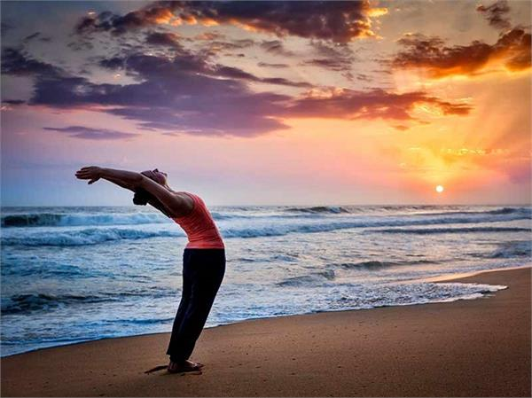 बीमारियों का है काल Surya Namaskar, जानिए इसके बेहतरीन फायदे