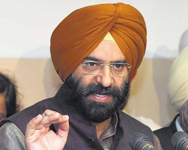 manjinder singh sirsa accused bollywood actors to take drugs