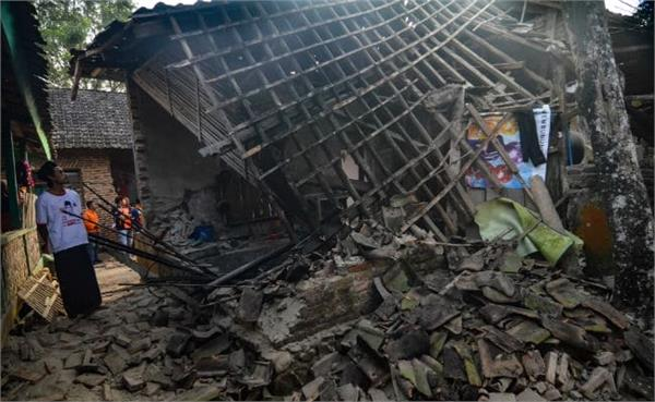 5 dead several injured after 6 9 magnitude earthquake hits indonesia