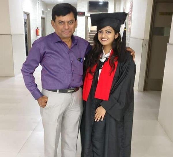 पैसो की कमी के कारण अधूरा रह गया था राजेश का सपना, बेटी ने किया पूरा
