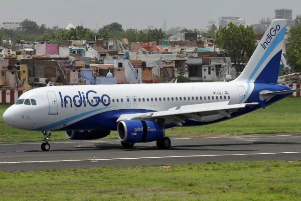technical fault in indigo flight coming from nagpur to delhi
