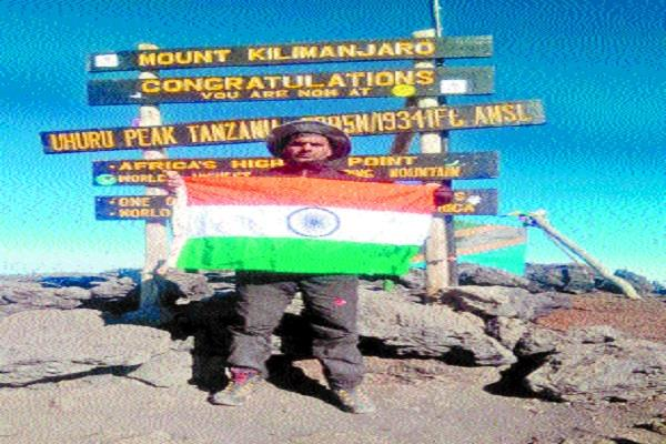rakesh hoisted name of the country the tricolor on top of south africa