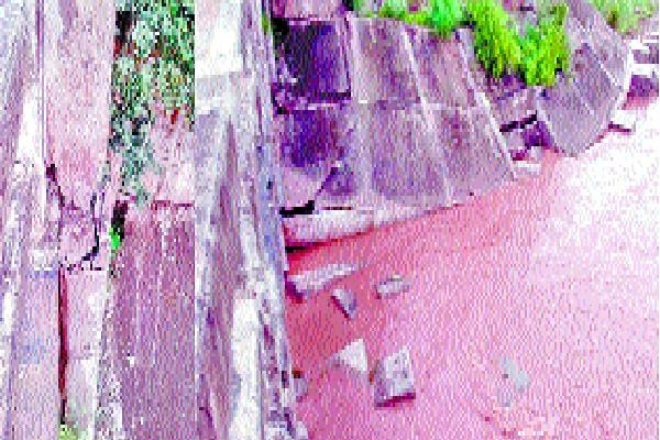 department of mining and pwd ignored bridge sunk due to illegal mining