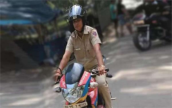 दिल्ली की इस दबंग लेडी को सास से मिली प्रेरणा, सीखाती हैं मनचलों को सबक