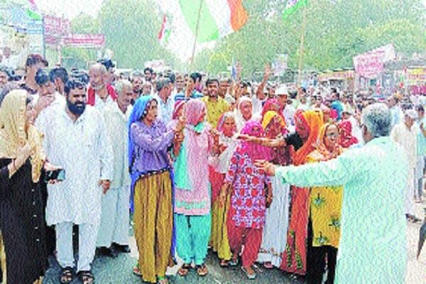 people showed strength in jail bharo movement over aiims arrested