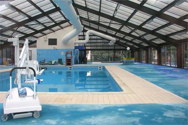 38 fell sick in beijing after chlorine leak in swimming pool
