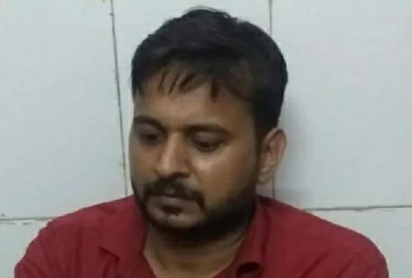 fake ips arrested in varanasi