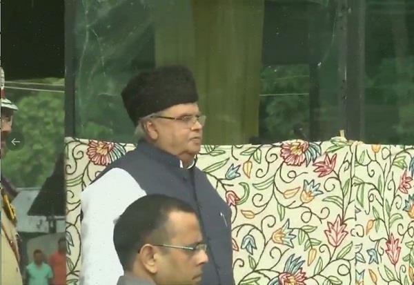 srinagar governor satyapal malik hoisted the tricolor