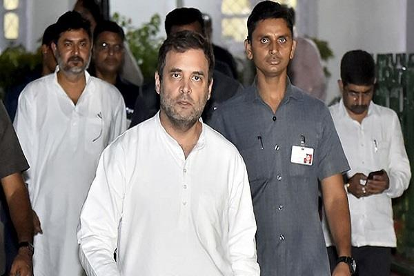 rahul gandhi becomes the poster boy of pakistan