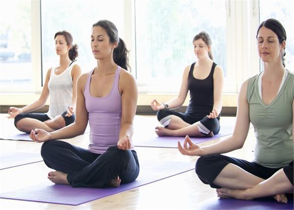 महिलाओं के लिए बेस्ट 10 योगासन, जानिए किससे क्या है मिलेगा