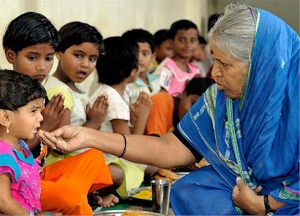 KBC11: कभी श्मशान में गुजारी रातें, दिल दहला देगी 'अनाथों की मां' सिंधुताई की कहानी
