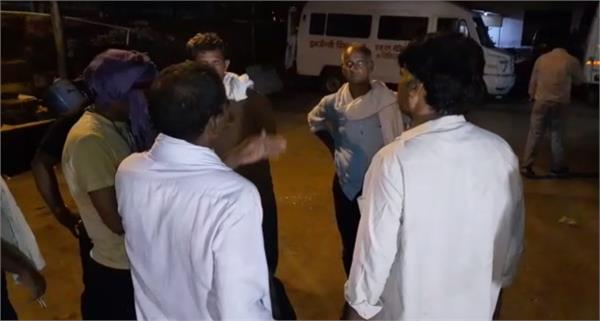 4 kanwaris on tractor trolley killed four injured