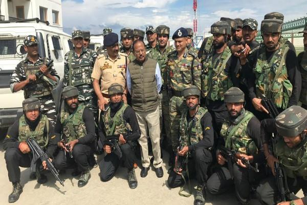 ajit doval provided 300 phones to the security forces