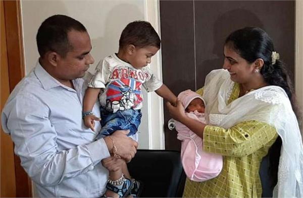 महिला जज के 1 फैसले ने दी 2 परिवारों को खुशी, बच्ची को मिली नई पहचान