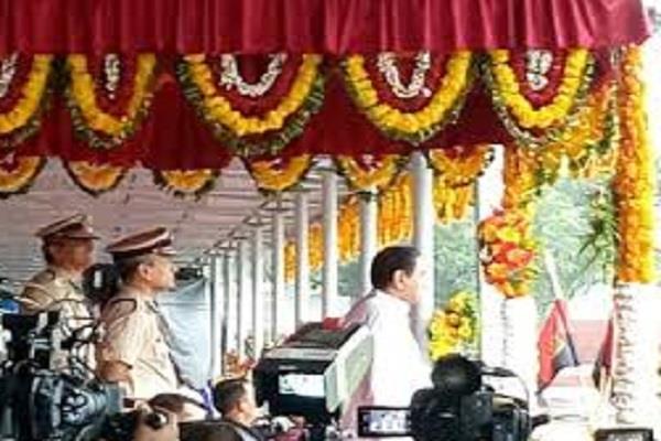 cm kamal nath flag lal parade ground said development state challenged