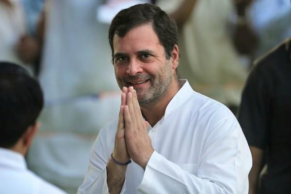 rahul gandhi spoke to pm modi on kerala floods
