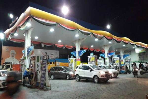 9 000 new petrol pumps will opened in the country