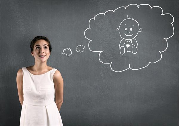 30 या 35, जानिए किस उम्र में मां बनने की औरतों के लिए सही?