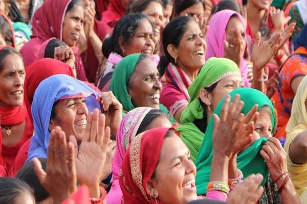asha workers complain staff nurse takes money as congratulations
